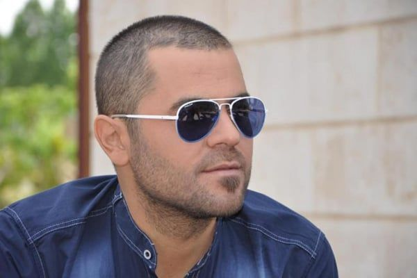 كلمات اغنية شهلا مكتوبة وكاملة يغنيها الفنان السوري وفيق حبيب نقدم لكم الكلمات مكتوبة وكاملة تحكي أغنية شهلا عن فتاة تسمى شهلا جاء Mens Sunglasses Glasses Men