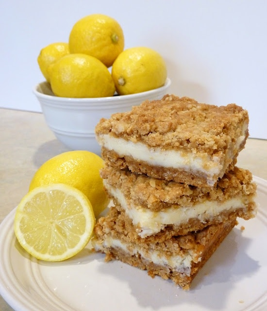 Oatmeal Lemon Creme Bars... looks easy to make and delicious!