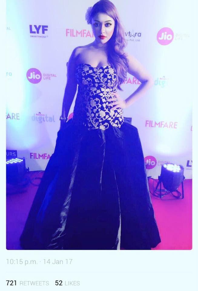 Payal ghosh at Filmfare awards Mumbai dressed in stunning black outfit by richa ranawat