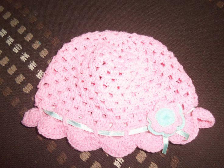 gorra nena con flor y cinta