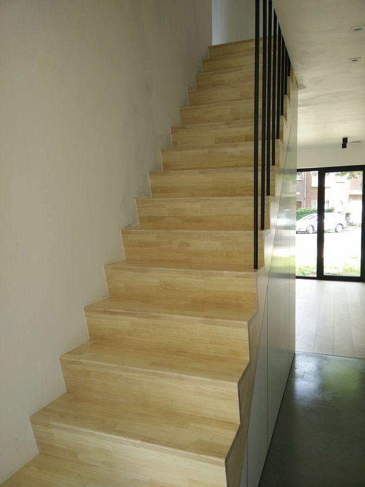 Kastruimte onder trap, werfbezoek, 1424WYNS, stam.be