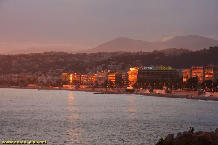 Coucher de soleil sur la promenade des Anglais a Nice (06)