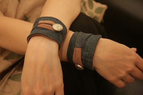 a nice collection of fabric cuff and bracelet tutorials