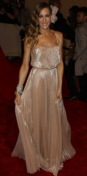 Sarah Jessica Parker in gold