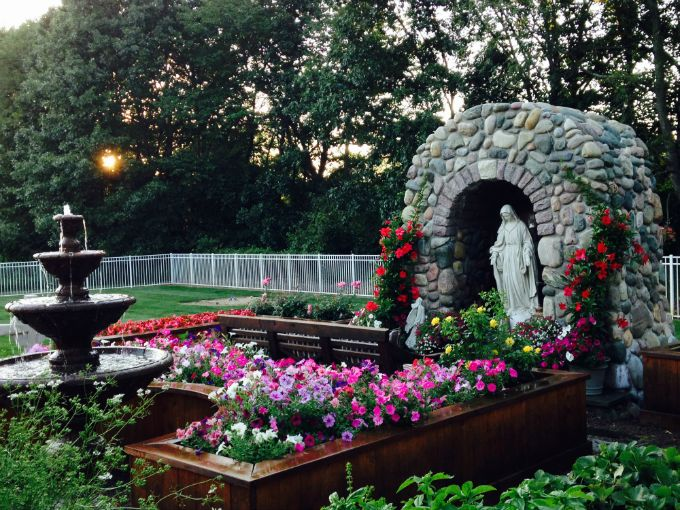 42 Best Images About Grotto / Mary Garden Ideas On Pinterest