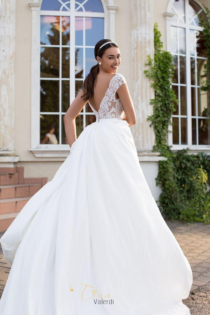 Wedding dress Marita by Tina Valerdi