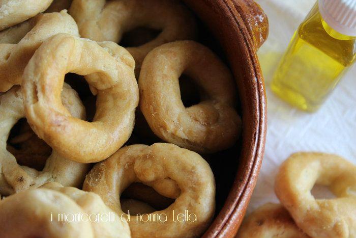 La ricetta originale della nonna........ dei taralli pugliesi.