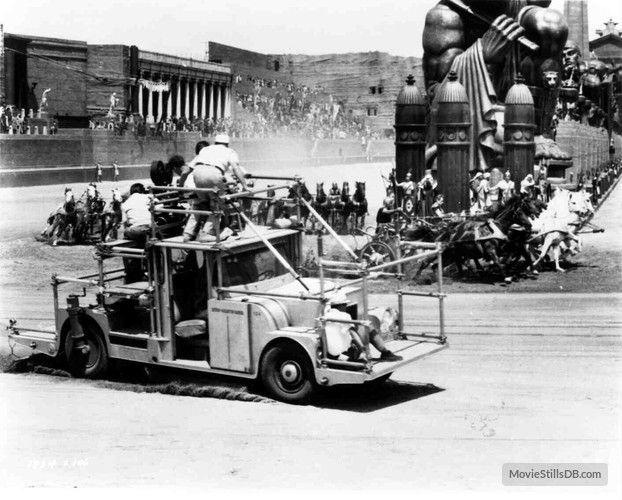 Ben-Hur behind the scenes photo of William Wyler, Charlton Heston & Stephen Boyd