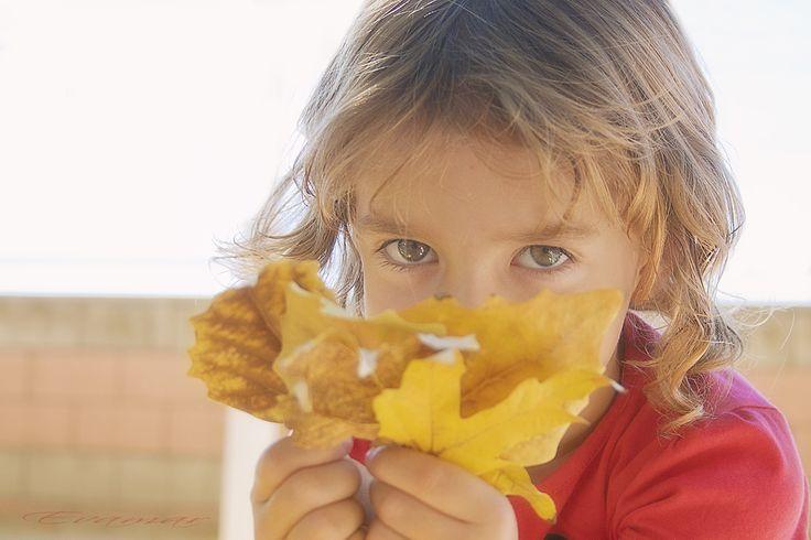 Retratos de niños - Jugando con el otoño