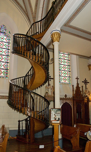 Best Miraculous Staircase Of Loretto Chapel History 640 x 480