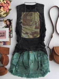 Encontre roupas femininas, vestidos, blusas, t-shirts, shorts e mais..