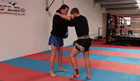Good self defence technique against a round house kick.