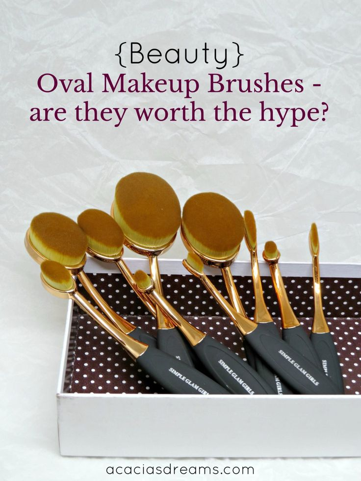 {Beauty} Oval Makeup Brushes – Are They Worth The Hype?