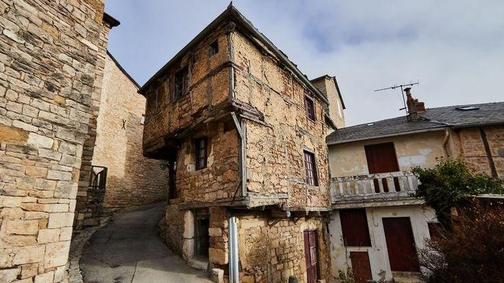 La plus vieille maison d'Aveyron, nouvelle star d'Internet