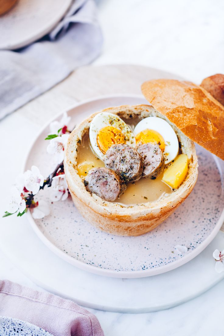 Żurek w chlebie | Ania Starmach  Pyszny żurek w chlebie na Wielkanoc będzie ozdobą Twojego stołu i zachwyci całą rodzinę :)