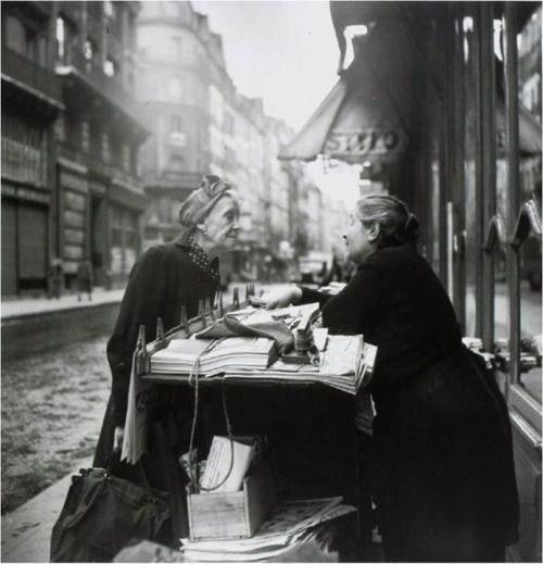 Louis Stettner, Conversation, Paris, 1952.