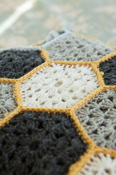 Busy Bee Throw - Knitting Patterns and Crochet Patterns from KnitPicks.com by…