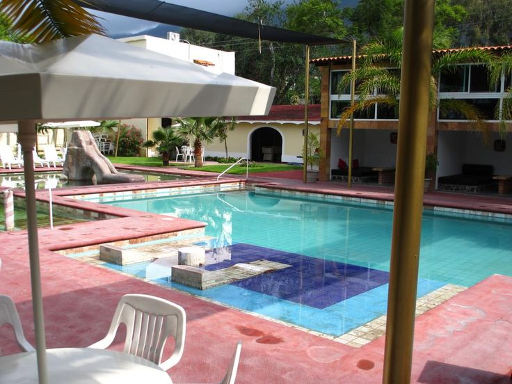 $91.78 Located just 100 metres from Lake Chapala in San Juan de Cosala, this hotel features several hot-spring pools, a hot tub and tropical gardens.