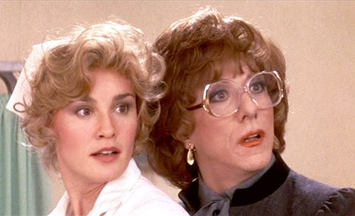 "Julie Nichols (Jessica Lange) and Dorothy Michaels (Dustin Hoffman) in ""Tootsie"""