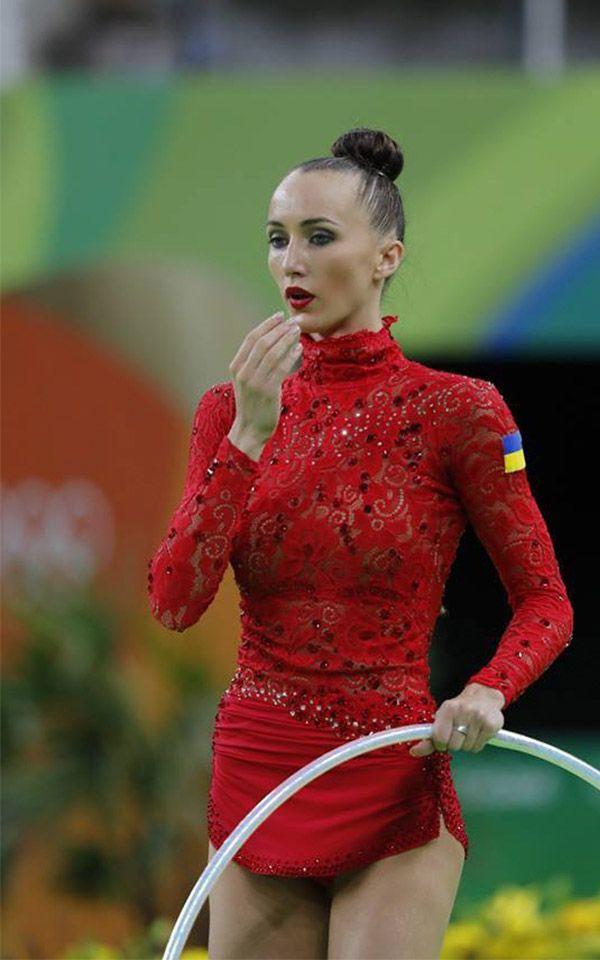 Los mejores #Maillots de gimnasia #Rítmica que hemos visto en los #JJOO2016 de rio. No te pierdas los que más destacaron en las olimpiadas. Ganna-Rizatdinova-leotard-4