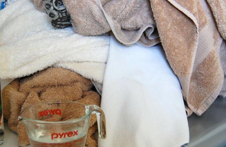 Ruiken jouw handdoeken een beetje muf? Geen nood; met DIT middeltje is dat snel verleden tijd!