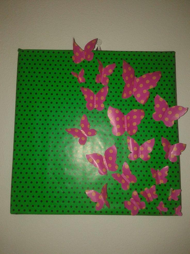 Mariposas de papel regalo. Decoración salón.