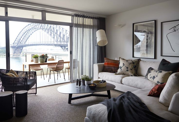 For this 3rd floor apartment with spectacular harbour views, Hare + Klein created a comfortable yet sophisticated interior with contrast and texture.