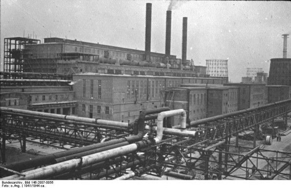 "Overview of IG Farben's plant, near Auschwitz"" ; circa 1941 Source : German Federal Archive"