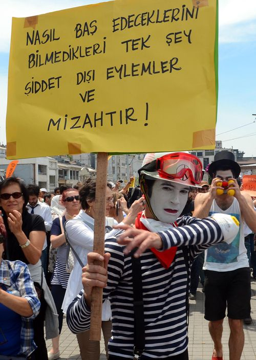 Pandomimciler Gezide gösteri yaptı - protest artistic way