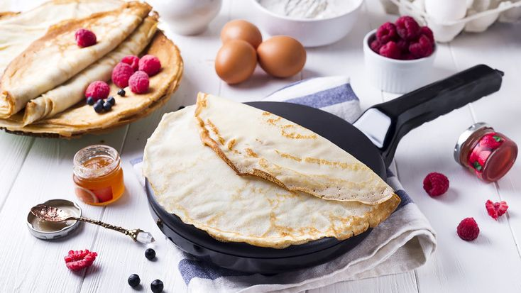 What do Russians eat for breakfast? Here are our recommendations for everyday, quick-to-prepare meals that will help you have a perfect morning in the Russian style. All of these dishes are perfect for on-the-go lunches, too.