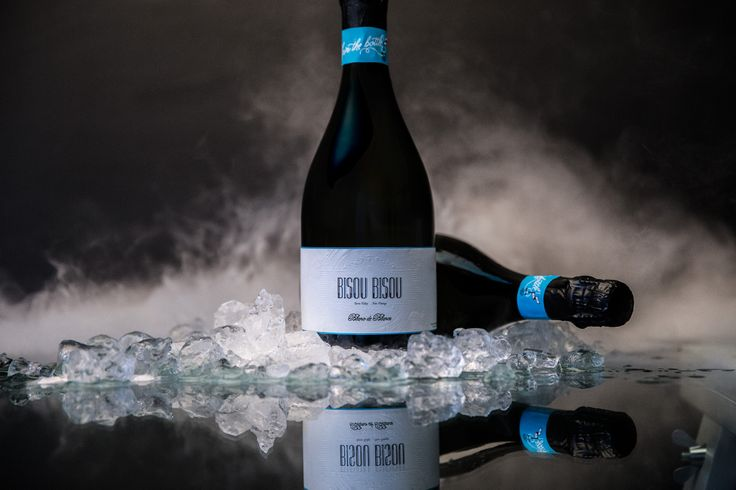 We're so proud to introduce to you our latest Sparkling wine, Bisou Bisou. Ready to buy now: vinomofo.com - #bisoubisou #sparkling #wine #vinomofo #winephotography