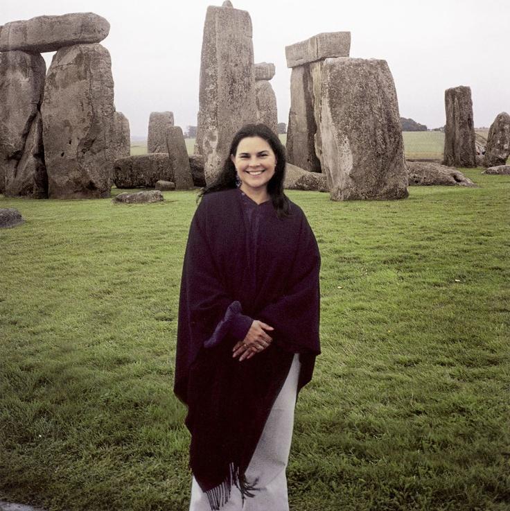 Diana Gabaldon & standing stones; Craigh Na Dun #outlander #dianagabaldon #Scotland