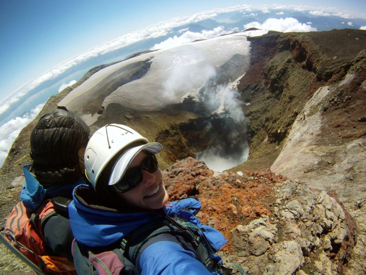 Read what I learned about climbing a volcano! Volcán Villarrica - Pucón, Chile  //  intrepidmonkeys.com