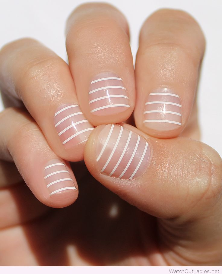 Striped manicure on short nails