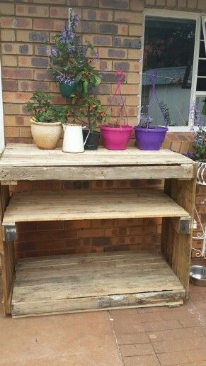My very first pallet project, done! Potting bench to make my life (and sore back) a bit more tolerable :-)
