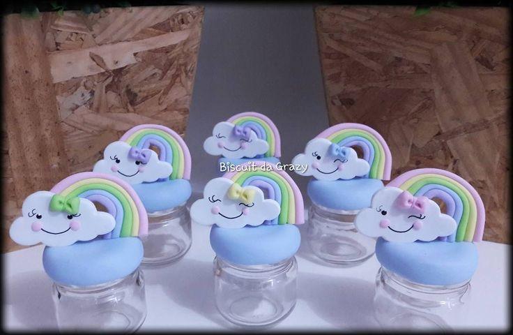 "Biscuitda Grazy on Instagram: ""Potinho Nuvem     #festaunicornio #unicornio #unicornioparty #festaunicornioideias #unicorniodebiscuit #fofurinhas #biscuit…"""