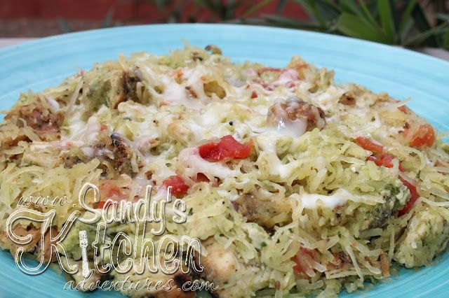 sandy 39 s kitchen spaghetti squash with chicken and pesto