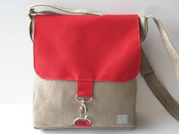 messenger bag medium size bag outside pocket bag by LIGONbyRuthi, $69.00