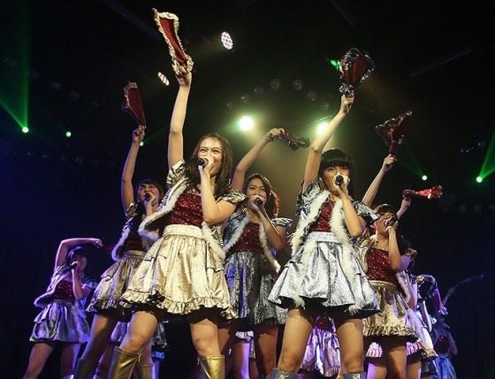 Mau tau yang baru dari foto-foto artis di tahun ini? yuk simak terus Rilis Mini Album, Koreografi 'River' Bikin JKT48 Tersiksa? di SelebNews!