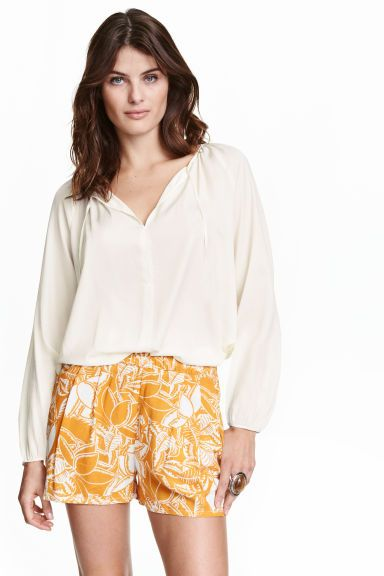Pantaloni scurți din viscoză   H&M