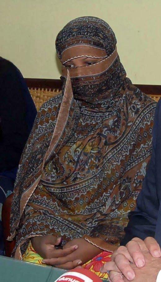 """PAKISTAN - """"Asia Bibi vittima delle gelosie I cristiani? Cittadini di serie B"""" ilgiornale.it L'esperto di islam parla della legge nera: «Viene abusata per vendette. O si abbraccia Allah o si fugge o si muore» 3 APRILE 2016 #pakistan"""