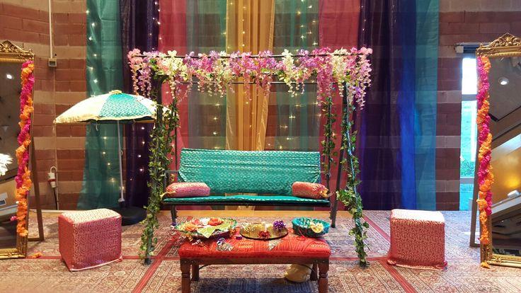 Mehndi stage dekoration by Nighat Butt
