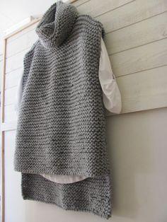sweater tejido con tres piezas rectangulares