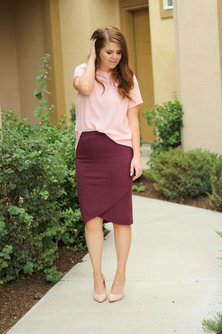 Wine Pencil Skirt, blush pink top, modest outfir, budget outfit, stylish mom outfit, beige heels.
