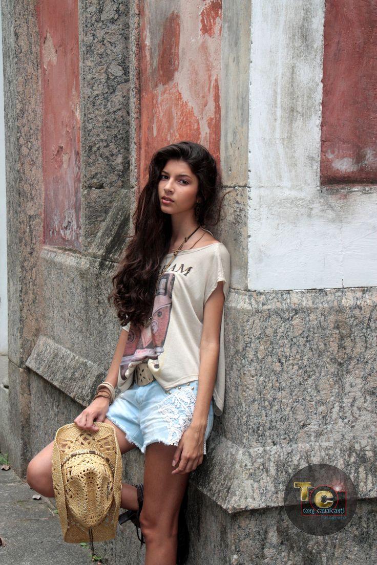 Editorial de Moda com a Modelo Monique Teixeira