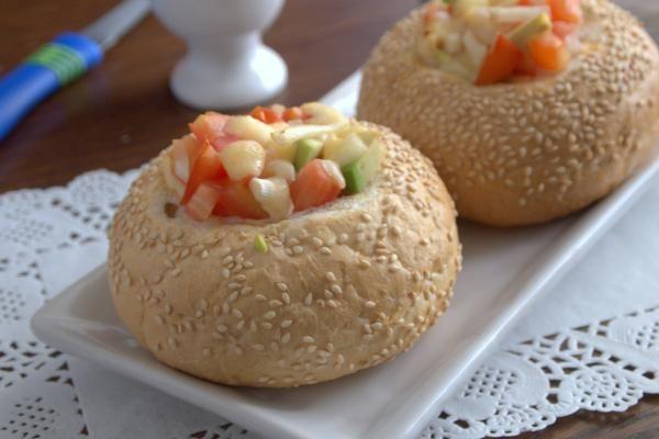 Бургер с авокадо и сыром http://citywomancafe.com/cooking/22/06/2016/burger-s-avokado-i-syrom