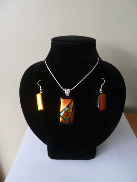 Gorgeous Dichroic Pendant and earring set. <3 at www.facebook.com/CreativeGlassNz