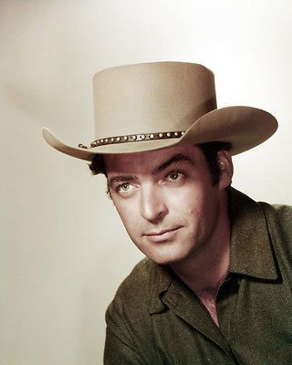 RORY-CALHOUN-PORTRAIT-IN-STETSON-WESTERN-MOVIE-PHOTO-OR-POSTER