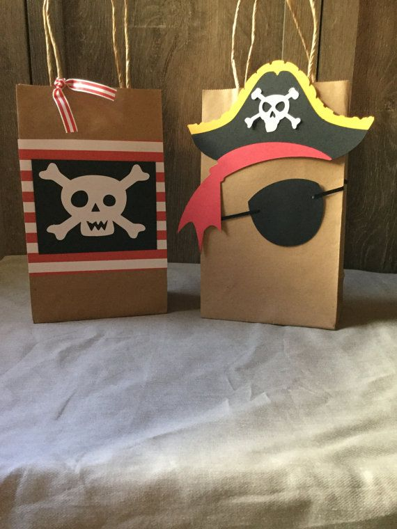 Transforma tu casa en un barco pirata con esta fácil idea pirata. #party #decoracion