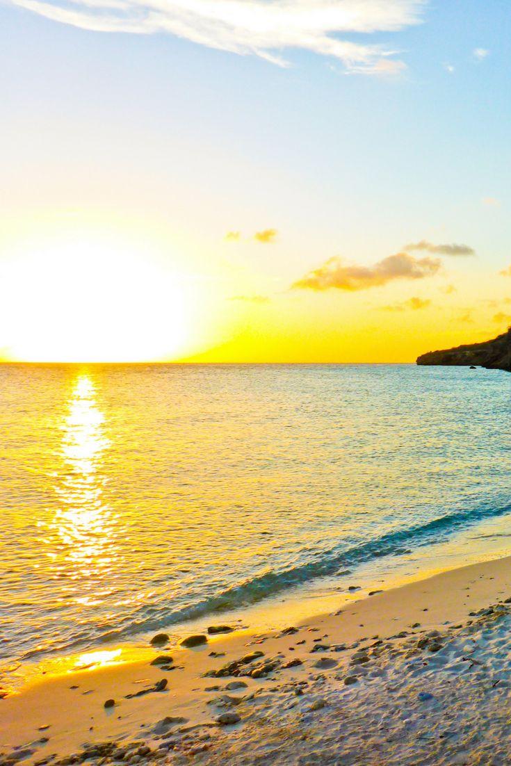 Op welk strand van Curaçao zou u van een mooie zonsondergang willen genieten?